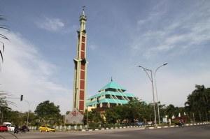Masjid Raya Batam, Mu 16 Juni 2013. F Suprizal Tanjung image