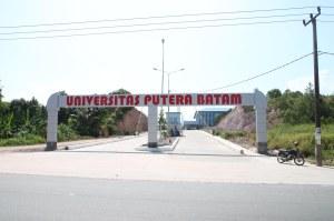 Univ Putera Batam. Ks 21 Juli 2011. F Suprizal Tanjung (33) image