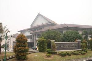 DPRD Batam, Jt 21 Juni 2013. F Suprizal Tanjung (2) image