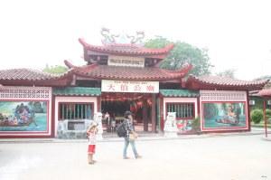 raihan-dewi-di-buddha-windosrd-penuin-3-mei-2012-kamis-f-suprizal-tanjung-240 image