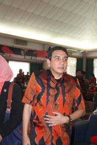sekjen-mpn-pp-drs-teuku-muh-nurlif-se-16-des-2012-minggu-f-suprizal-tanjung-3 image