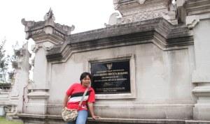 dewi-tanjung-di-pura-agung-amertha-bhuana-batam-17-feb-2012-minggu-f-suprizal-tanjung-23-image