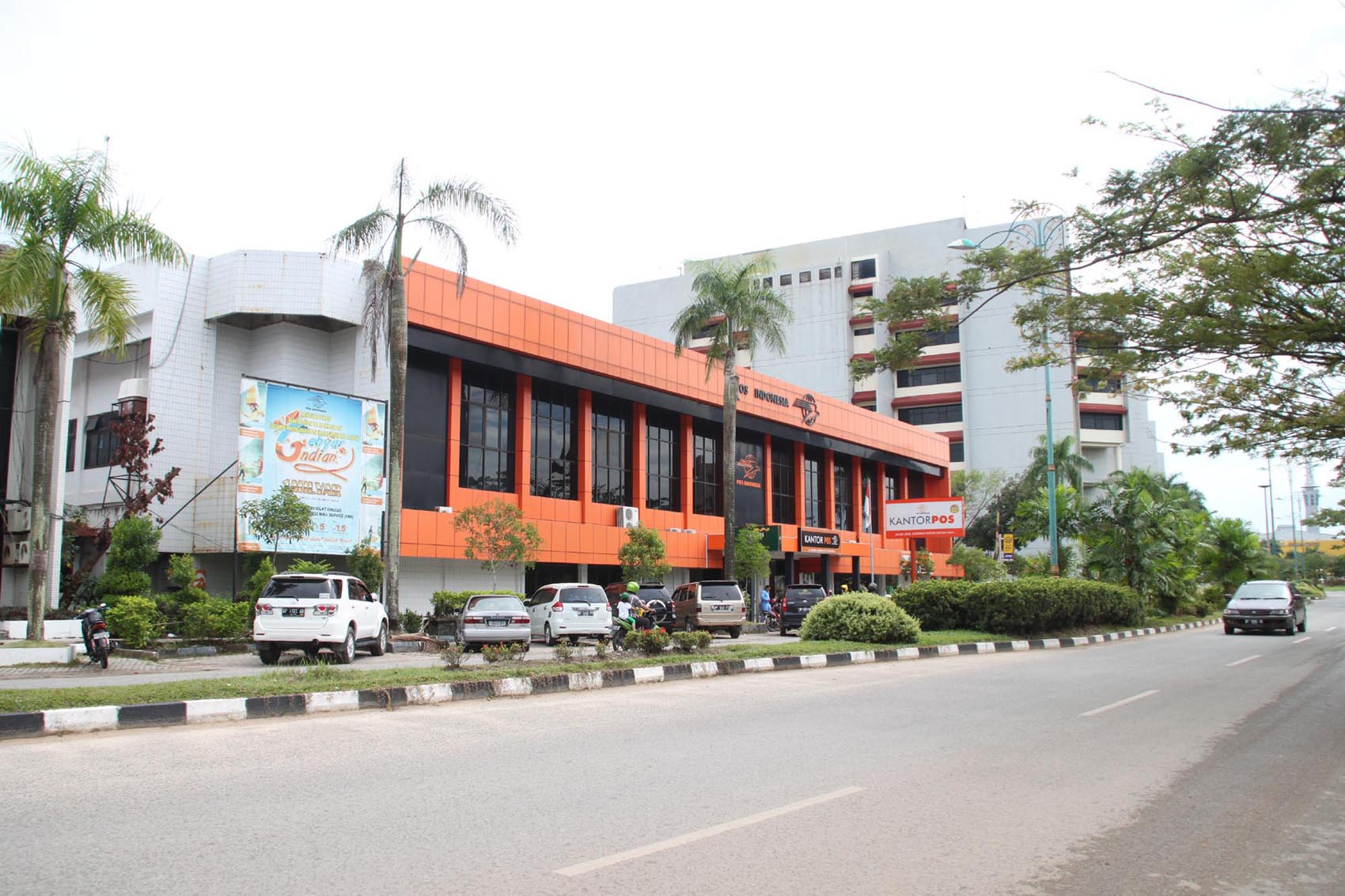 Antara Kantor Pos Sms Dan Email Suprizal Tanjung S Surau
