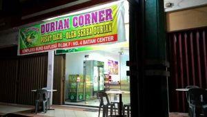Durian Corner, F Suprizal Tanjung