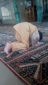 Sabtu 2 Maret 2016 Raihan berdoa di Masjid Nurul Huda 2